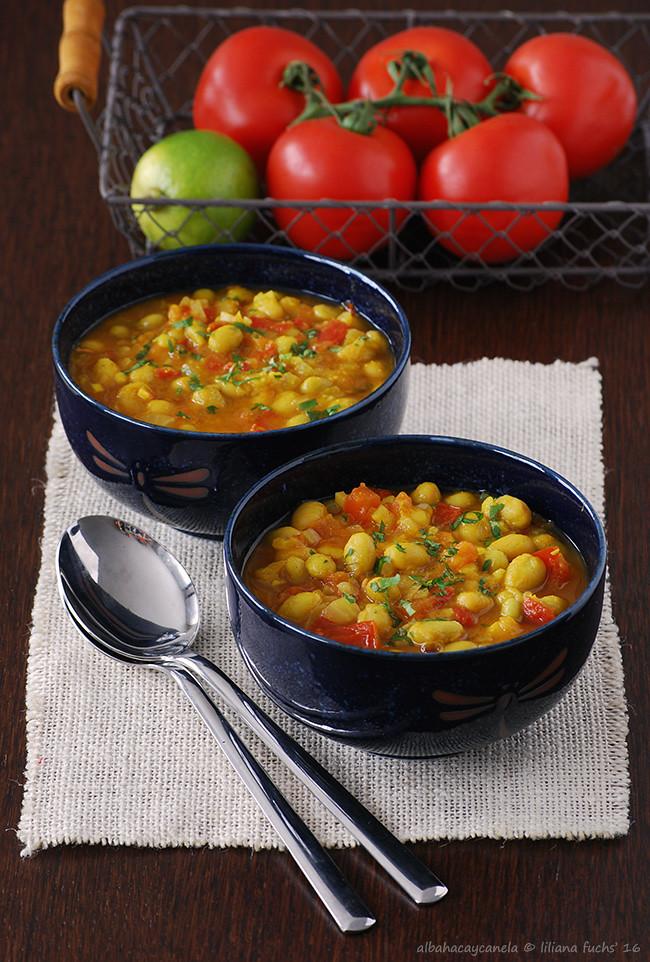 Pochas al curry
