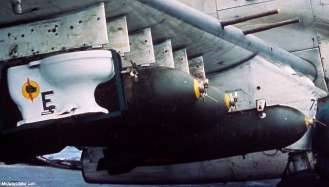 VA-25's Toilet Bomb - Quả bom bồn cầu