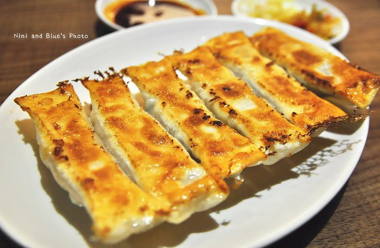 公益路麵店豪煮藝水餃牛肉麵18