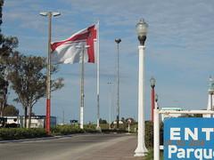 2016 03_Florida_Bandera al ingreso a la Ciudad