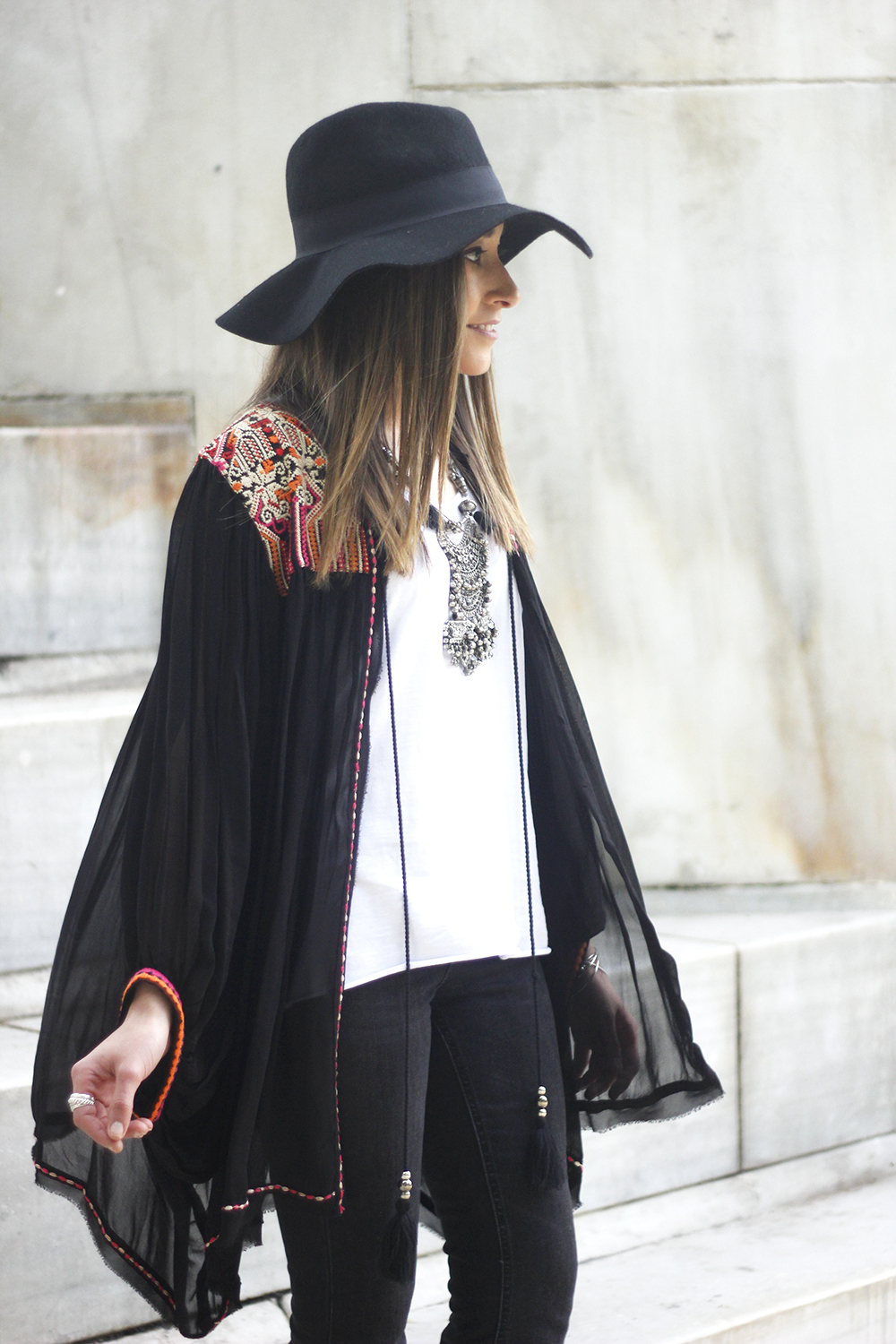 embroidered kimono flared jeans Hat Heels outfit style11