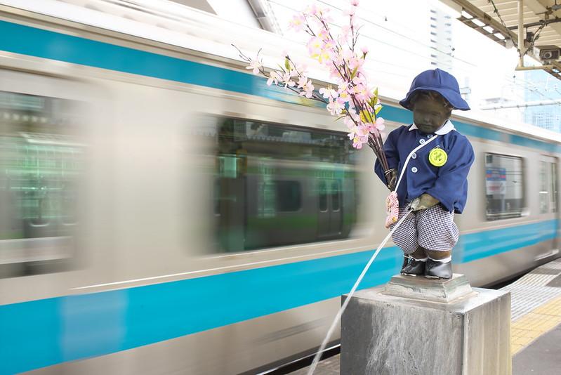 Tokyo Train Story 浜松町駅の小便小僧 2016年4月10日