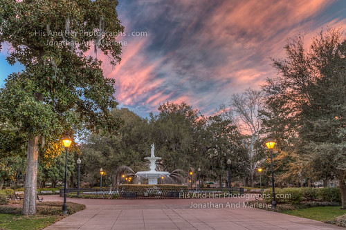 park city fountain sunrise georgia colorful downtown savannah pinksky historicdistrict forsyth