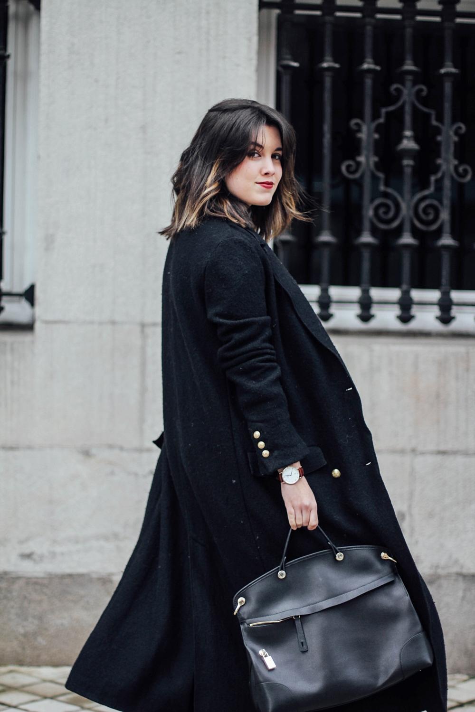 black maxi coat look