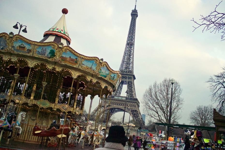 Lara-vazquez-madlula-fashionblog-Paris-Tour-eiffel-France