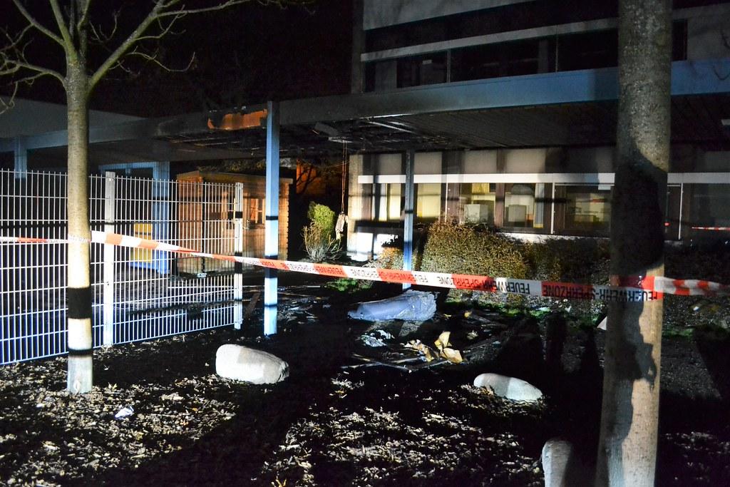 Huchenfeld: Brand in der Grundschule Huchenfeld - 11.03.2016