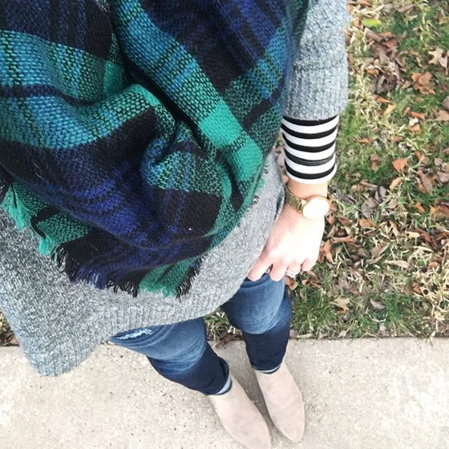 Cozy Layers of Plaid & Stripes // Am I the only one who was excited for the return of cold weather this week?!? I'm just not ready to pack up my sweaters & scarves! 💙💚 #sugarplumstyle // www.liketk.it/2cafx