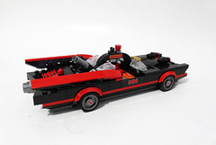 LEGO DC Comics Super Heroes Batman Classic TV Series – Batcave (76052)