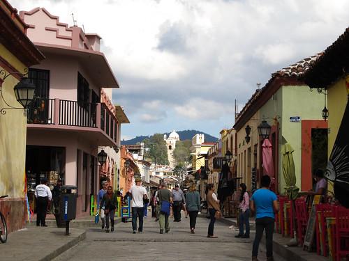 San Cristóbal de las Casas: vue sur l'église Guadalupe au fond