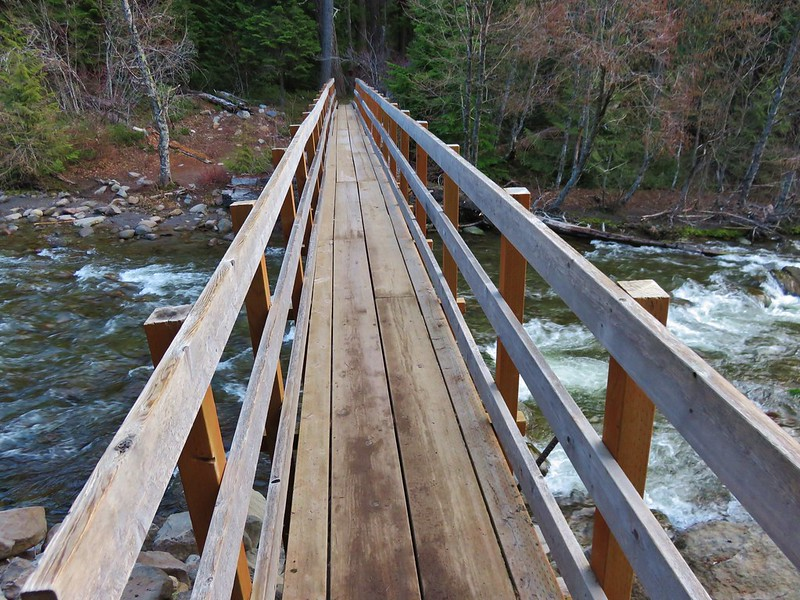 Footbridge over the East Fork Hood River