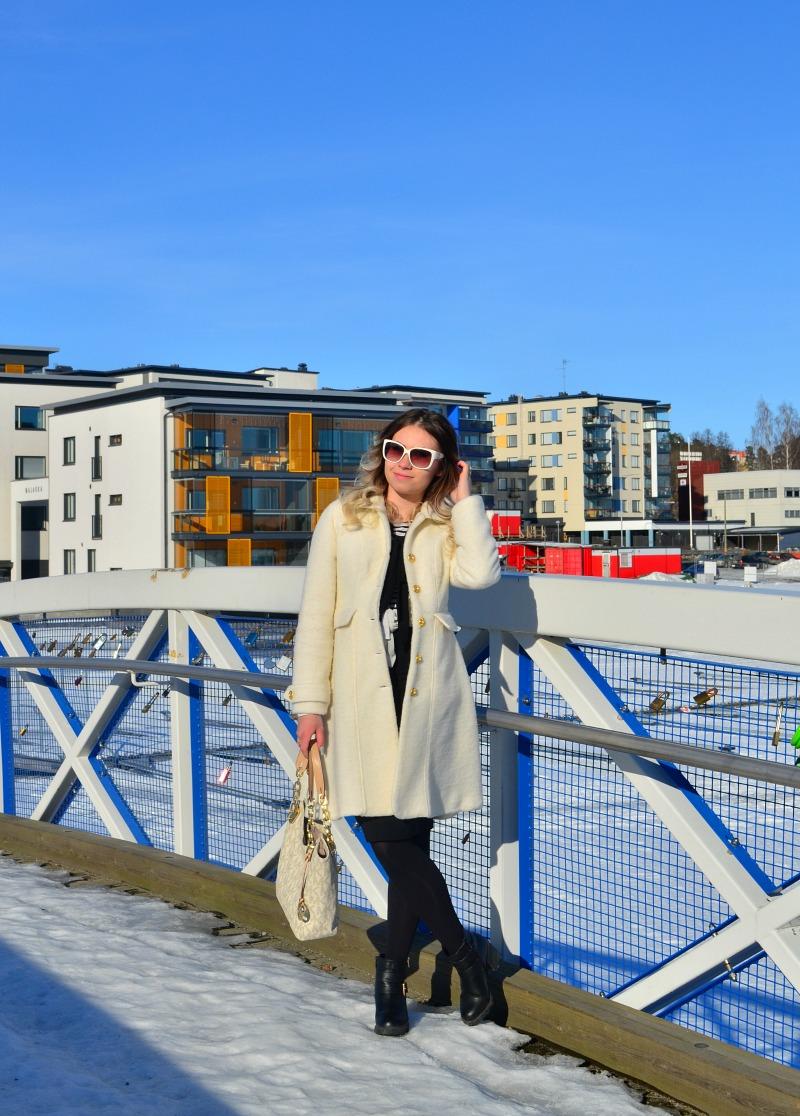white coat3