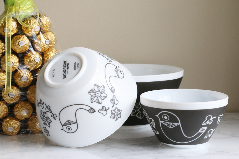 Vintage Charm bowls, white black birds of a feather print
