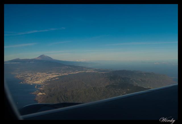 Tenerife la Orotava mirador Humboldt mirador Mataznos - Acantilados y pico Teide desde el avión
