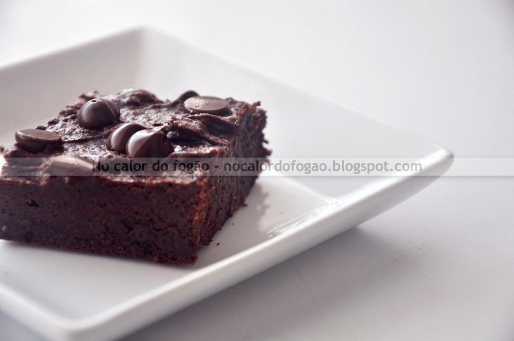 Brownies de amêndoas e tâmaras