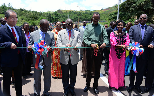 HE Paul Kagame  and Magufuli Commission Rusumo Border Post, 6th April 2016 (90)