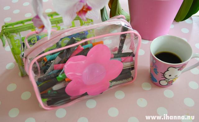 Coffee and pen pouches á lá transparant - photo by iHanna