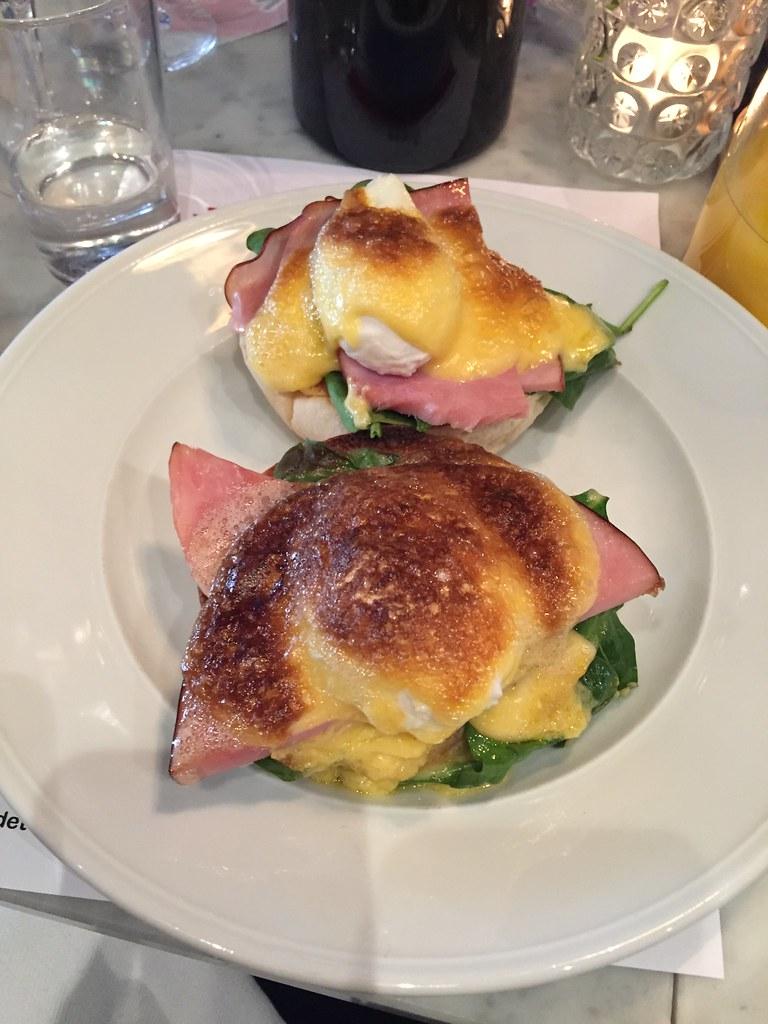 Eggs Benedict - brunch