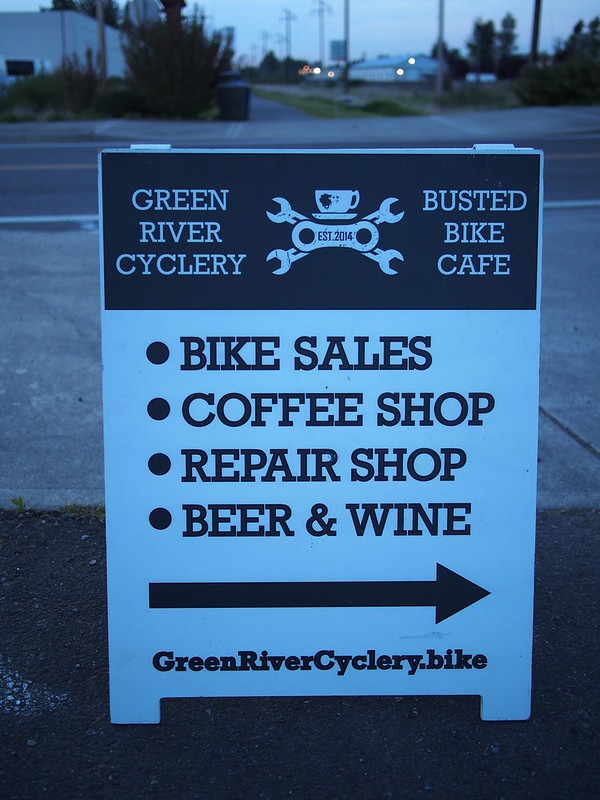 Green River Cyclery Sign: I ought to check this place out sometime!
