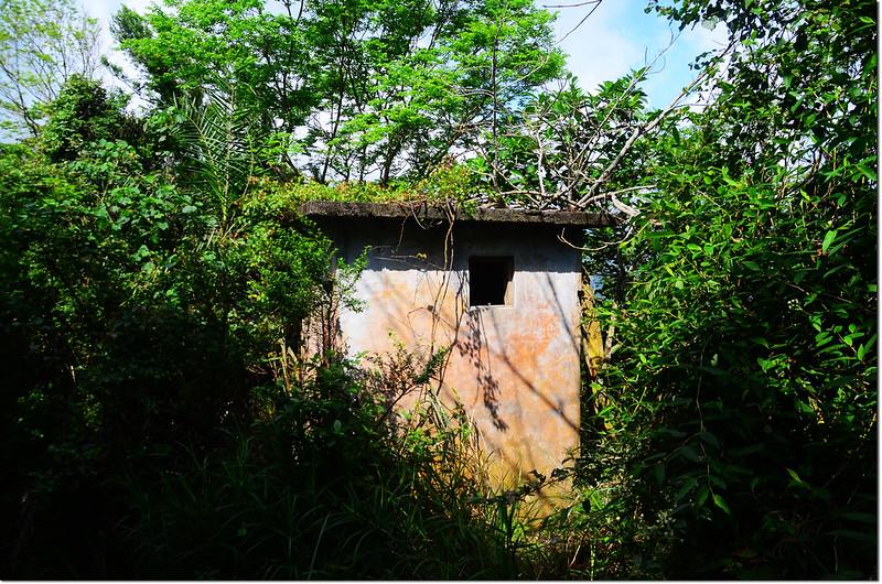 水母丁山山頂廢棄瞭望台
