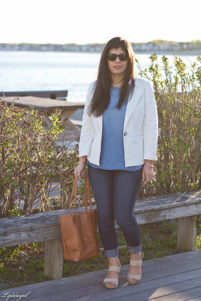 white blazer, chambray shirt, jeans, brown leather tote.jpg