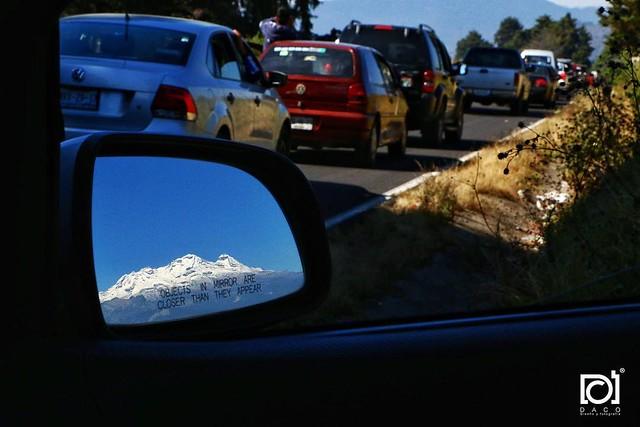 Y así nos despedimos del Iztaccíhuatl... El paso de Cortés atascado de tráfico.