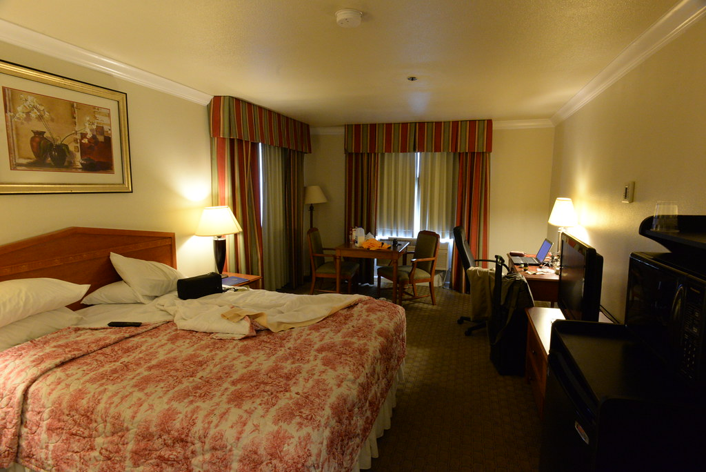Colonial Inn Selma Room 301 3-7-15 2