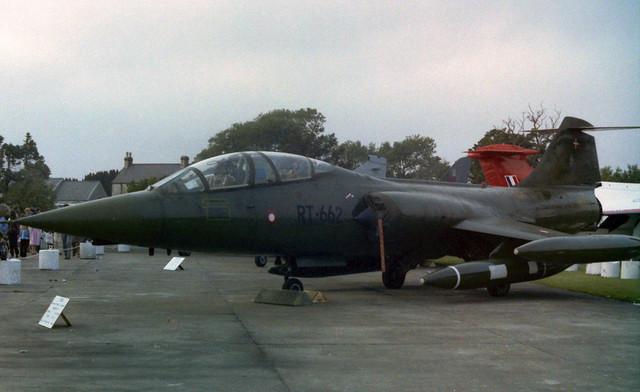 RT-662 CF-104G