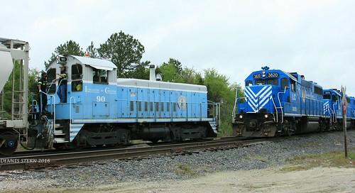 train southcarolina chester locomotive switcher gp382 emdsw900 lancasterandchesterrailroad