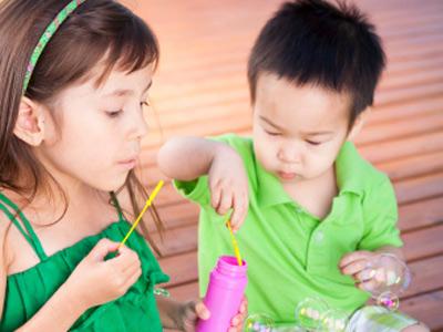 Các mốc phát triển của trẻ: Giai đoạn 2 – 3 tuổi