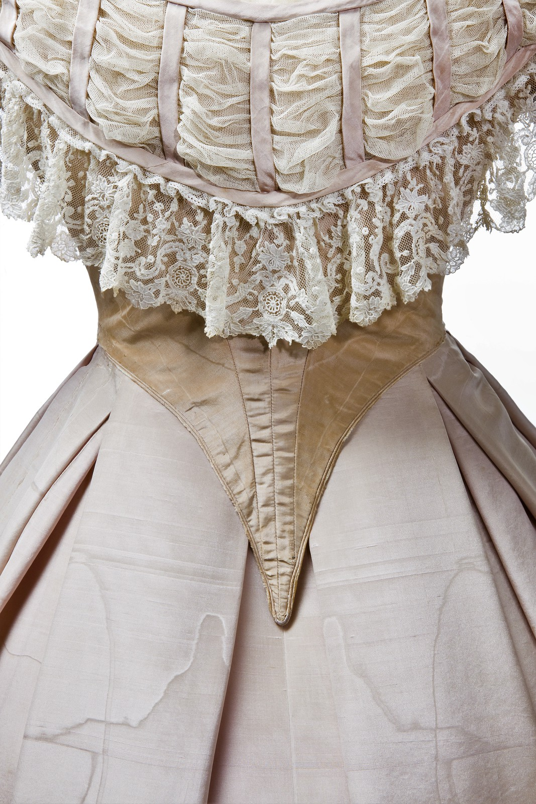 Detail of the dress Wilhelmina was wearing for the portrait of 1865