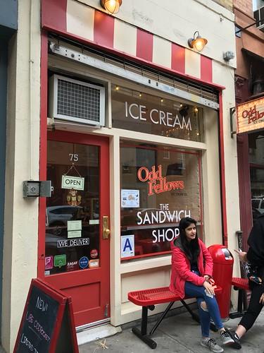 ブーム到来中 アイスクリームサンドイッチ
