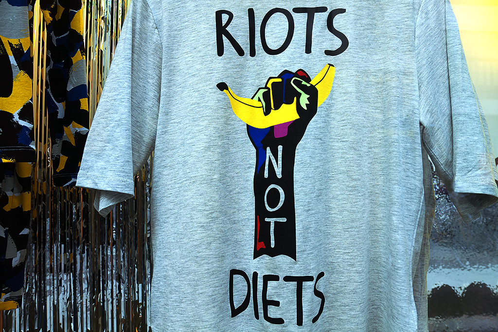 RIOTS NOT DIETS T-shirt--Leipzig