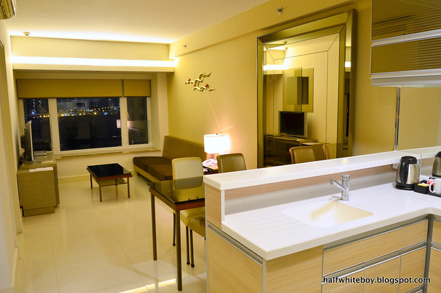 kowloon harbourfront hotel 03