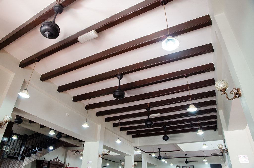 Hon Kei Food Corner's classic ceiling style