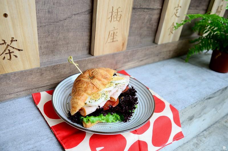 小空間板橋早午餐咖啡廳不限時推薦小倉庫菜單時間新埔 (1)