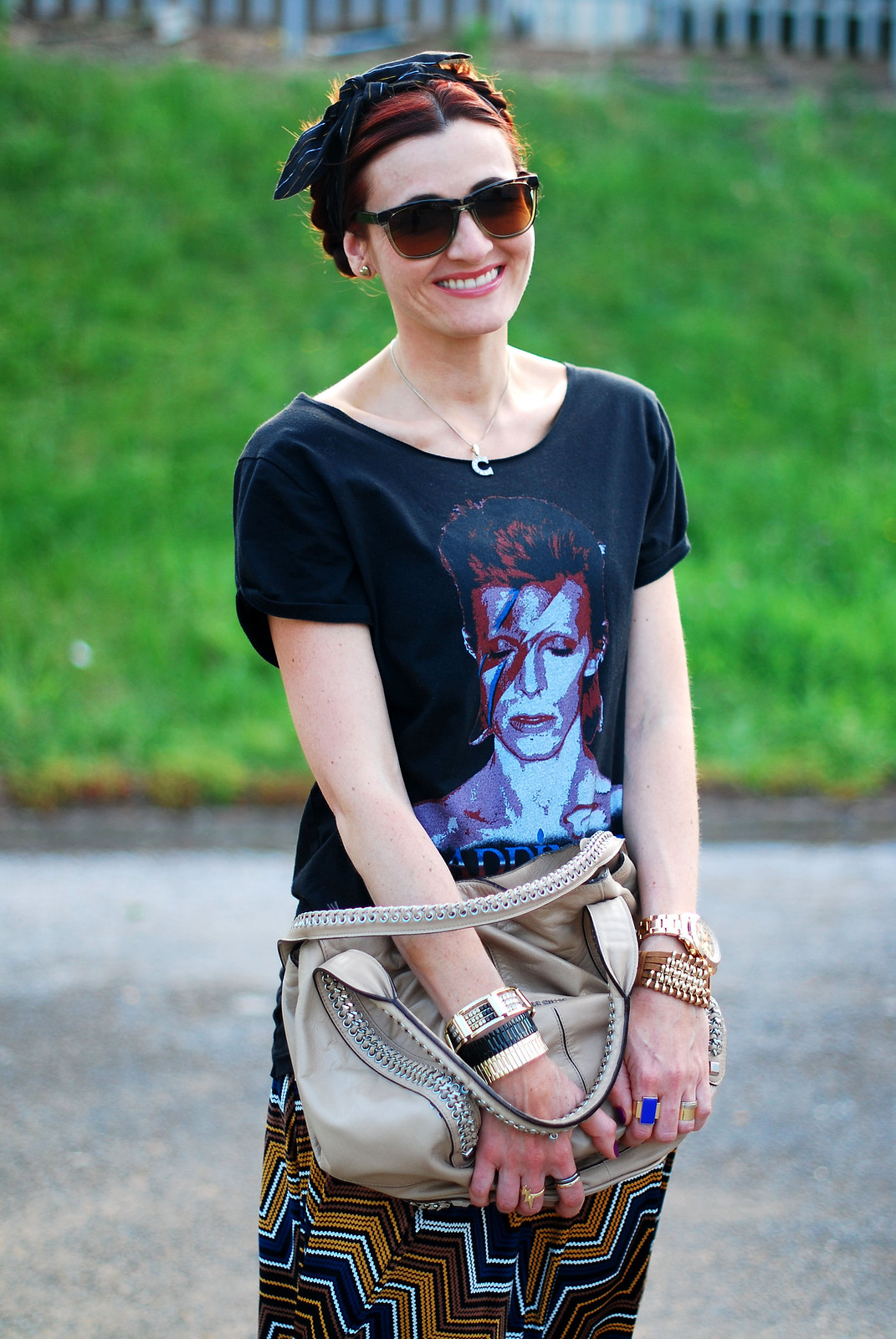 4 Ways to Wear a David Bowie t-shirt | With a chevron midi