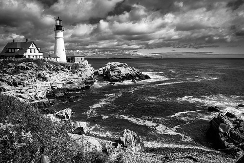 ocean light sea sky blackandwhite bw lighthouse house seascape storm building fall blancoynegro beach nature water monochrome rock architecture clouds automne portland landscape lumix coast seaside marine rocks eau waves mood outdoor marin maine newengland wave atmosphere stormy nb bn panasonic automn shore lumiere cote nuages paysage maison vagues plage phare atlanticocean reflets backwash rochers portlandheadlight hightide eastcoast rivage rockformation tempete capeelizabeth borddemer oceanatlantique ressac orageux mareehaute gx7
