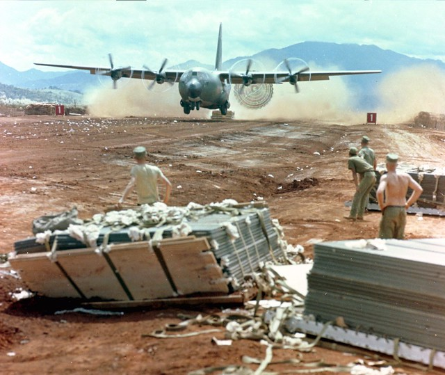 C-130 using LAPES in Vietnam