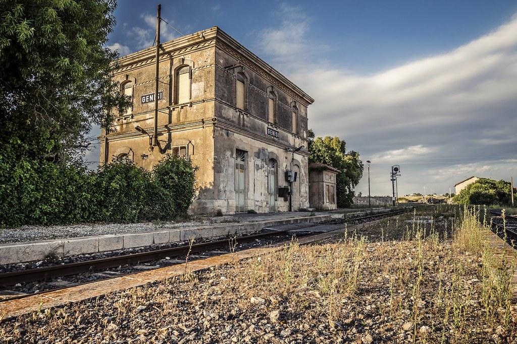 Stazione FS Di Genisi