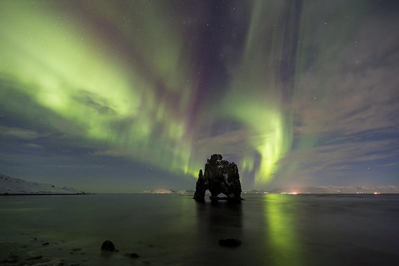 Hvítserkur luces del norte