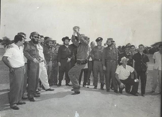 Camilo Cienfuegos en estadio Trinidad y Hermanos, de Cienfuegos