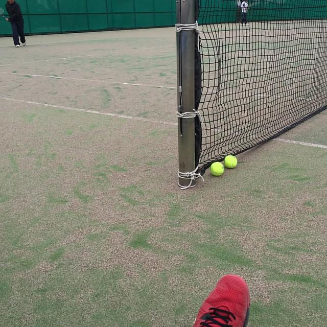 シングルス練習。風がないので思ったほど寒くない(^^)