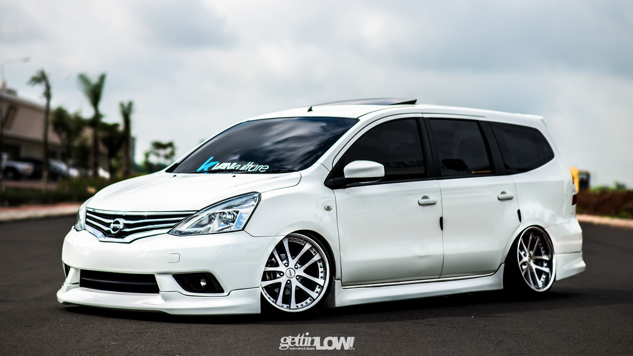 Nissan Grand Livina Apie