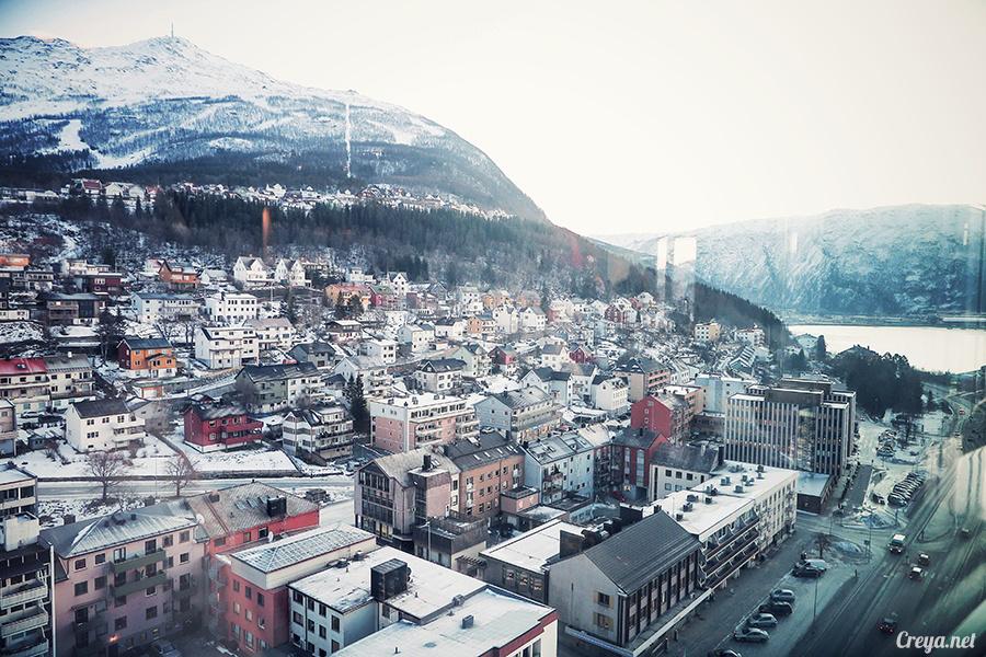 2016.02.23▐ 看我歐行腿 ▐ 阿呀~一不小心就從瑞典到了挪威, Narvik 小鎮遇見地理課本中的峽灣 33.jpg