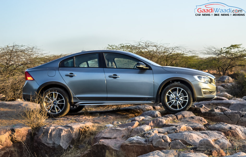 Volvo S60 Cross Country review india-13