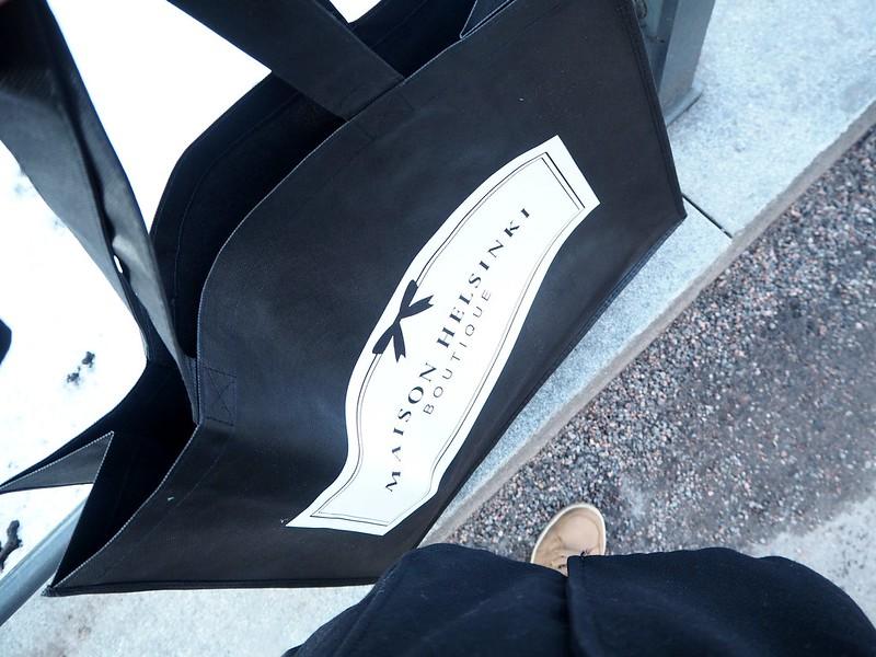 maisonhelsinkiP2238257,maisonhelsinkiP2238249,maisonhelsinkiP2238214, maison helsinki boutique, sisustuskauppa, sisustusliike, decoration shop, boutique, helsinki, maison helsinki, korkeavuorenkatu, hortensia, lilja, pioni, kukat, flowers, artificial flowers, tekokukat, sisustus, decoration, helsinki vinkit, helsinki tips, ostokset, shopping, inspiration, visit helsinki, shop ideas, unique boutique, vases, mirrors, maljakot, peilit, sisustustavarat, lifestyle kauppa, valkoinen, vihreä, pinkki, hopea, silver, white, green, pink, pale pink, pale green, lillies, pionies, kukkakimppu, bouquet,