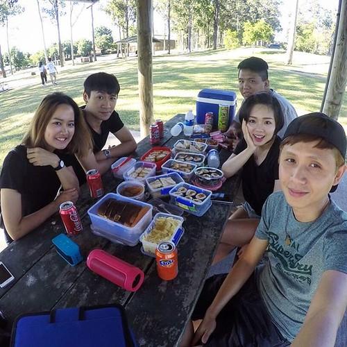 結果根本太多又突然少了兩個人,根本吃不完,不過在樹林吸收芬多精野餐,真舒服~😘 #picnic #weekend #huntervalley