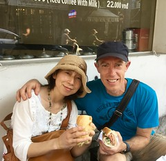 Ben and Yumiko try bánh mì