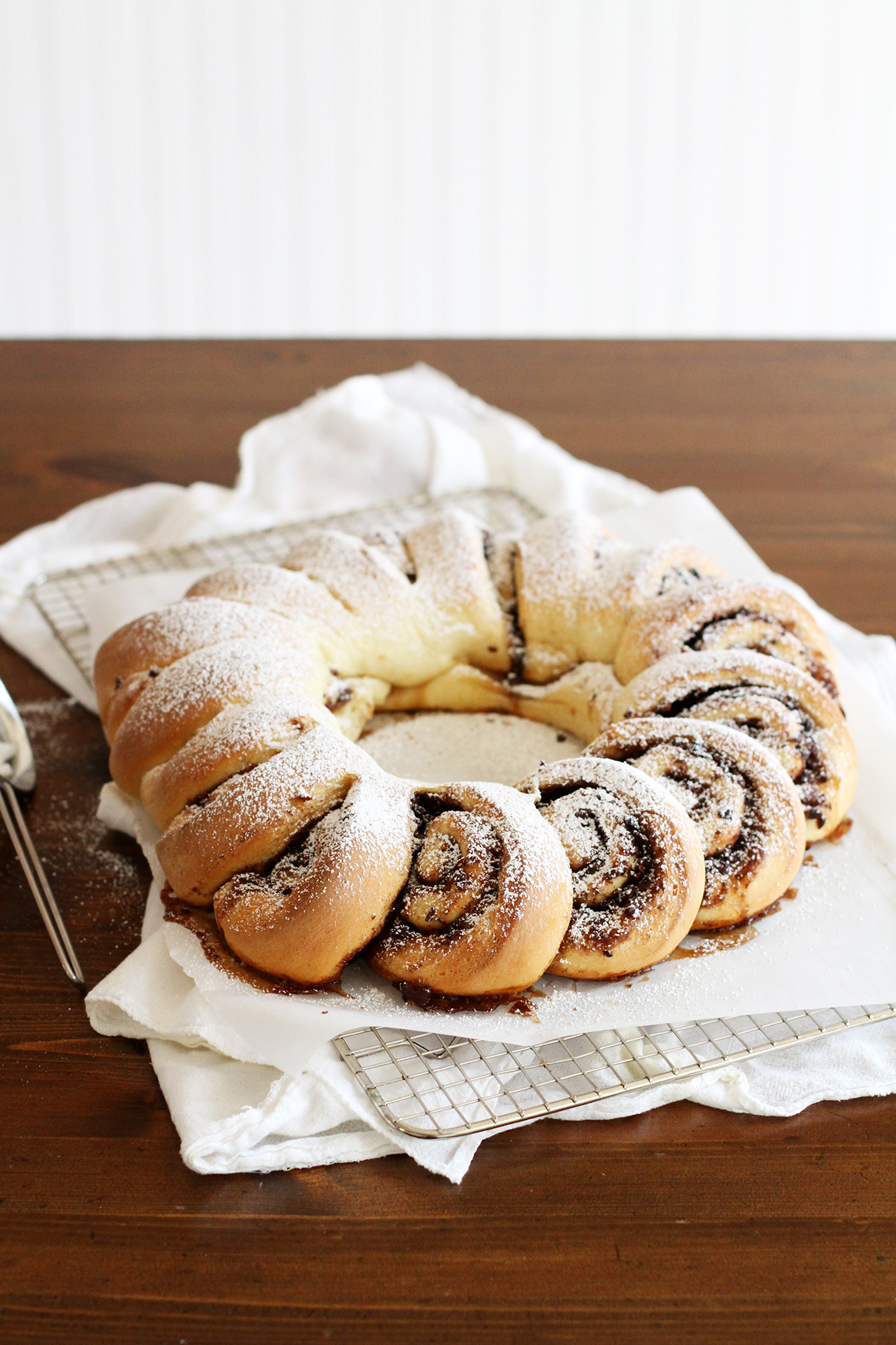 Chocolate Cinnamon Roll Wreath | girlversusdough.com @girlversusdough