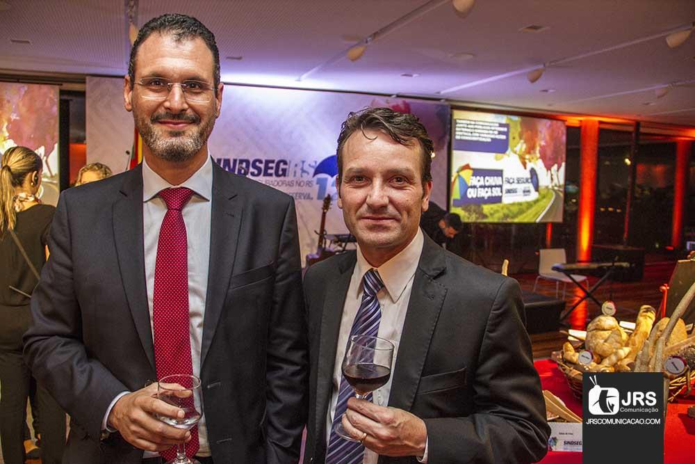Guacir Bueno é empossado como presidente do SindSeg-RS
